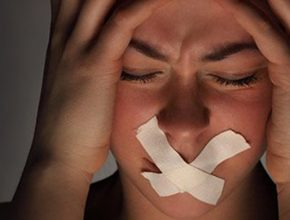 Projeto Quebrando o Silêncio debate temas relacionados com a violência doméstica.