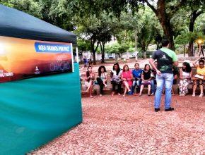 Culto matinal na principal praça de Corumbá-MS, realizado durante toda a semana da campanha para evangelizar a população.