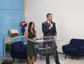 Os médicos Luís Fernando Sella e Daniela Tiemi Kanno, do CEVISA, estiveram no encontro.