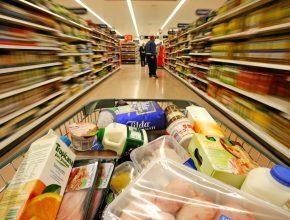 Consumismo, modismo e outras relações são abordados no artigo do doutorando em Marketing