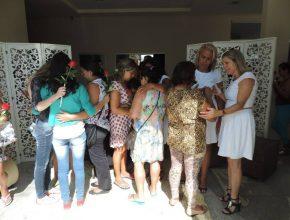 Na recepção da Igreja foi montada uma sala para receber as mulheres.