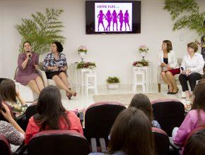 Durante o encontro as mulheres tiveram a oportunidade de se conhecerem melhor.