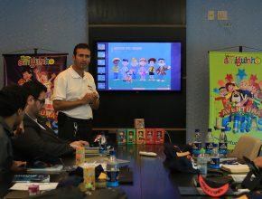 Campanha de divulgação para 2015 é apresentada ao grupo de assistentes.