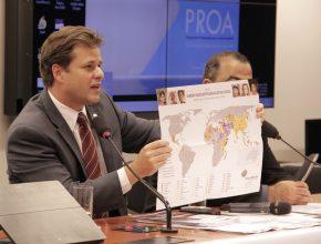 Deputado que coordena a Frente mostra mapa com a localização dos países do mundo onde mais se persegue por conta da religião