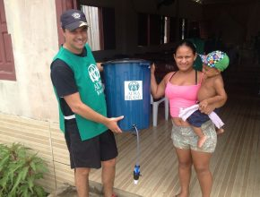 33 filtros foram doados para moradores da comunidade Rosa de Saron.
