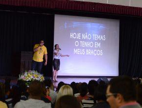 Dilson e Débora apresentaram músicas do novo DVD pela Gravadora Novo Tempo