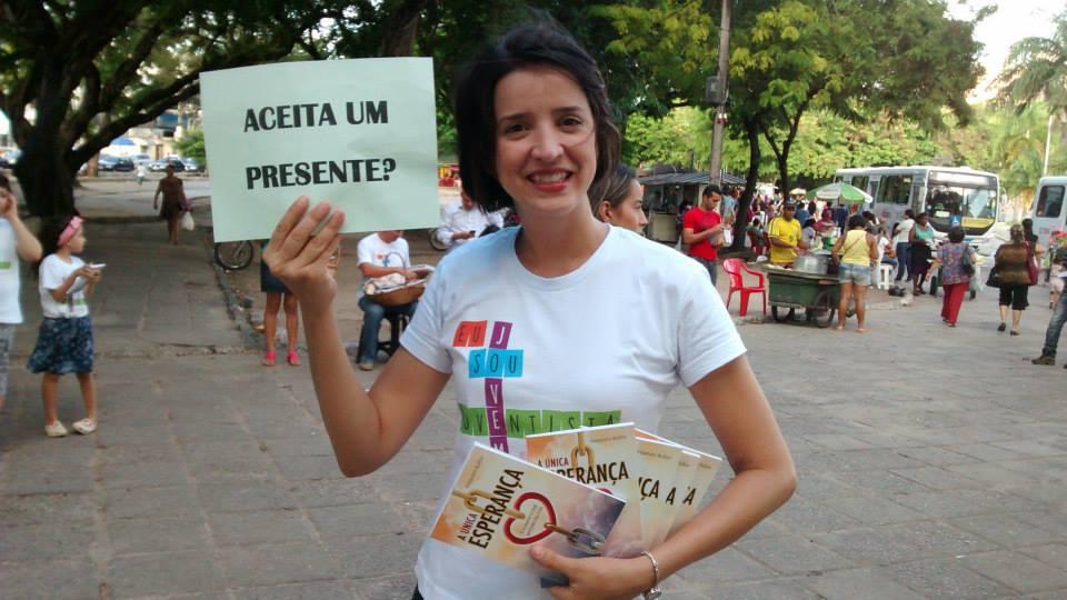 Mais de 600 livros foram entregues a quem transitava pelo Centro da capital paraibana