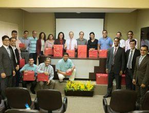 Líderes e colportores do Mato Grosso do Sul durante inauguração do escritório do SELS em Campo Grande.