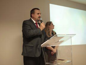 Diretor geral da Suberbom durante a inauguração do Centro de Vida Saudável em Porto Alegre