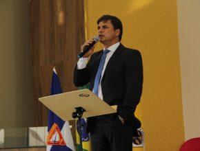 Pastor Eduardo Batista foi o pregador oficial. [Foto: Nonato Alves]