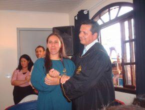 Vanessa Domingos e seu esposo receberam estudos bíblicos de Jucimara, a mulher que procurou o local para alugar para a Igreja Adventista