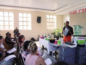 Curso gratuito de culinária integral  ensinou o preparo de receitas saudáveis