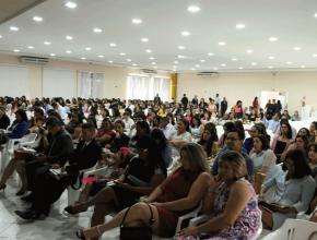 Professores reunidos na celebração dos 120 anos da Educação Adventista
