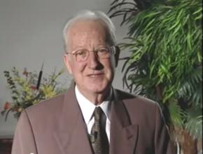 Nagel esteve na administração sul-americana da Igreja entre 1980 e 2006