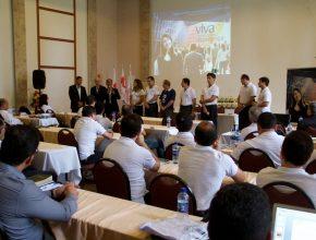 No evento cada chefe de departamento apresentou um relatório do que foi realizado no primeiro semestre de 2015.