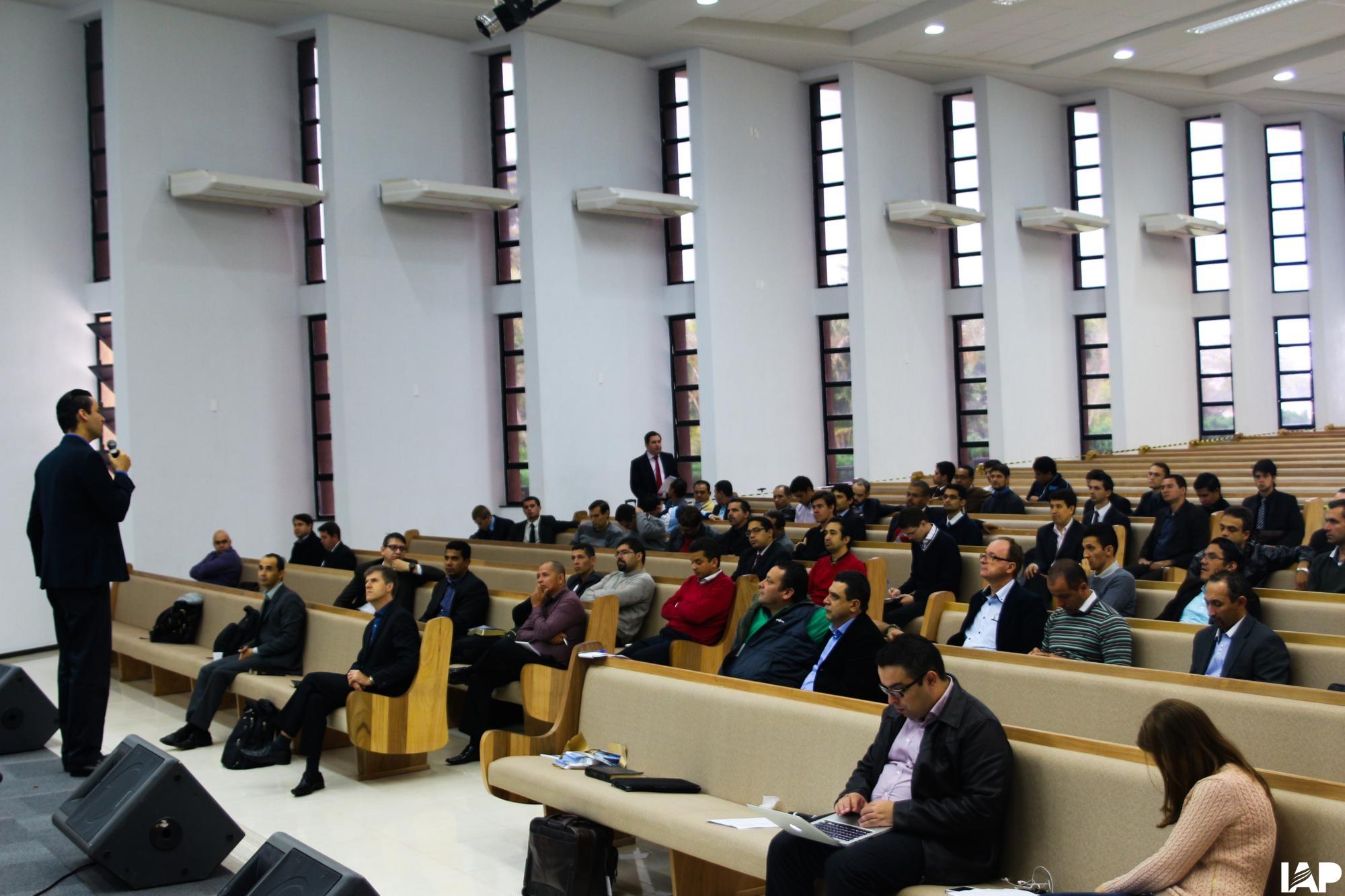 Pastores dos três estados da região sul do Brasil recebem treinamento em Ivatuba-PR