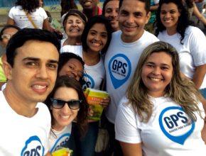 Clube de Jovens distribuem milhares de livros  durante a Marcha para Jesus