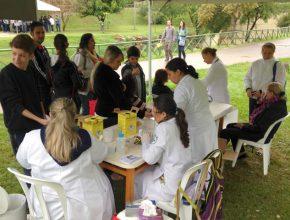 A feira em Tatuí mobilizou os alunos do Colégio Adventista e profissionais liberais