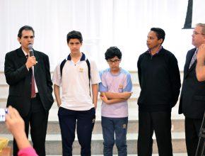 A história de conversão dos irmãos foi apresentada pelo pastor Elieder da Silva