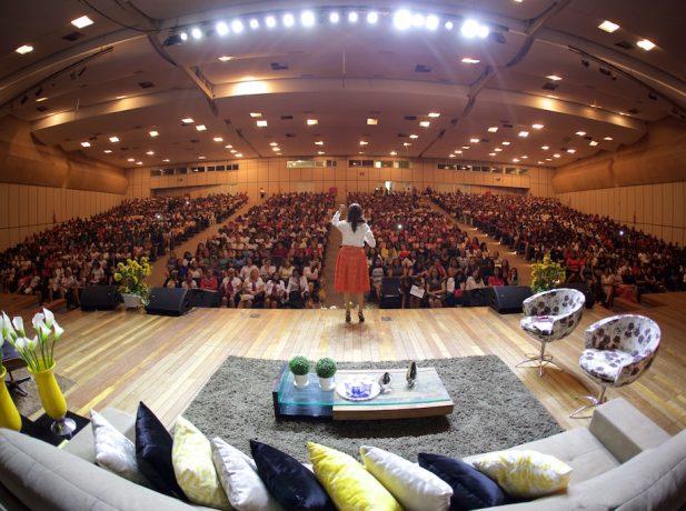 Quase duas mil mulheres participaram do Congresso do Ministério da Mulher,