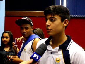 Fábio Oliveira, estudante do 1º ano do Ensino Médio, em entrevista para a TV Novo Tempo (Foto: Frame/Amilton Xavier)