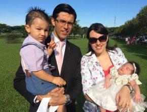Pastor Eber e família