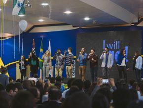 Grupo Vocal Livre canta para os participantes do evento. Integrantes do grupo já atuaram como voluntários em Guiné-Bissau e no Amazonas (Foto: Ellen Lopes)