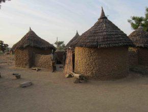 Típica vila localizada no norte de Camarões