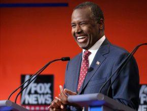 Carson em um dos debates realizados com os pré-candidatos republicanos
