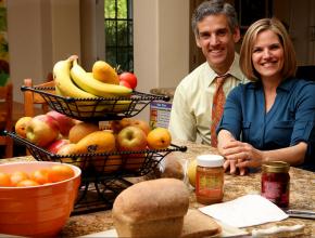 Casal Daniel e Vicki Fontoura foram entrevistados pela reportagem do jornal norte-americano