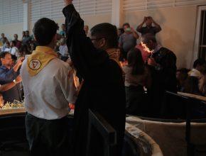 Desbravadores e juvenis também entregaram sua vida a Jesus em celebração ao Batismo da Primavera.