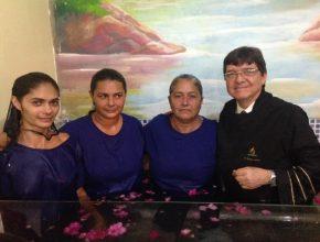 Mãe e filhas são os primeiros ciganos a abraçar a fé adventista no estado de Sergipe