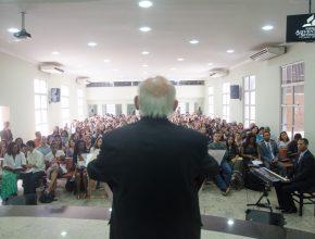 Muitos amigos visitaram a IASD de Campo Grande para ouvir Lima.