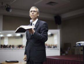 Pastor Bomfim tem larga experiência com o Ministério da Família