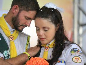 Renan e Katlleen casaram-se em pleno Campori.