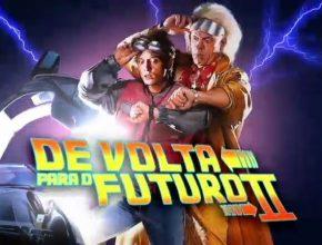 No segundo filme, Marty McFly (personagem de Michael J. Fox), anda para o centro de Hill Valley e vê como tudo mudou.