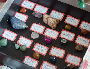 Uma das atividades foi a amostra de pedras, uma das especialidades dos clubes.