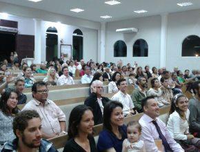 Na igreja de Matinhos foi onde Aline decidiu se batizar, depois de meses da primeira visita à uma Igreja Adventista.