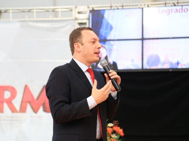 Presidente da Igreja Adventista do Sétimo Dia para o sul de MG fala aos novos líderes