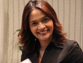 Darleide Alves é autora do livro Amor e Cura e participa da convenção do projeto Mensageiras da Esperança