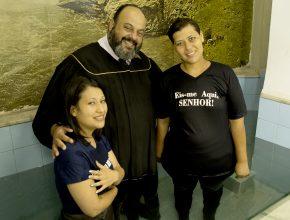 Duas pessoas foram batizadas no último sábado, resultados de pequenos grupos.