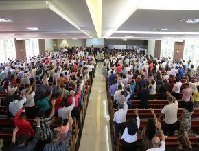 Momento de oração pelos pastores
