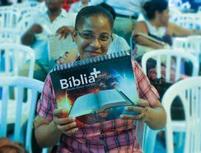 Um dos materiais distribuídos na Escola: a Bíblia+
