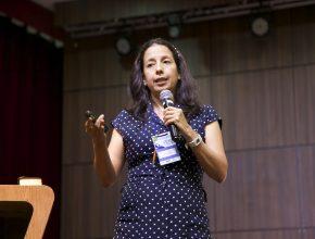 A bióloga Mônica Soria visitou pela primeira vez o Brasil para falar sobre