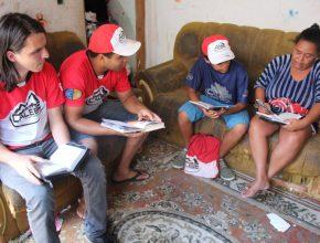 Moradores-de-Itu-aceitaram-aprender-mais-sobre-a-Bíblia-com-os-calebes