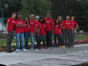 Grupo se destacava nas ações e nas ruas por causa do uniforme colorido.