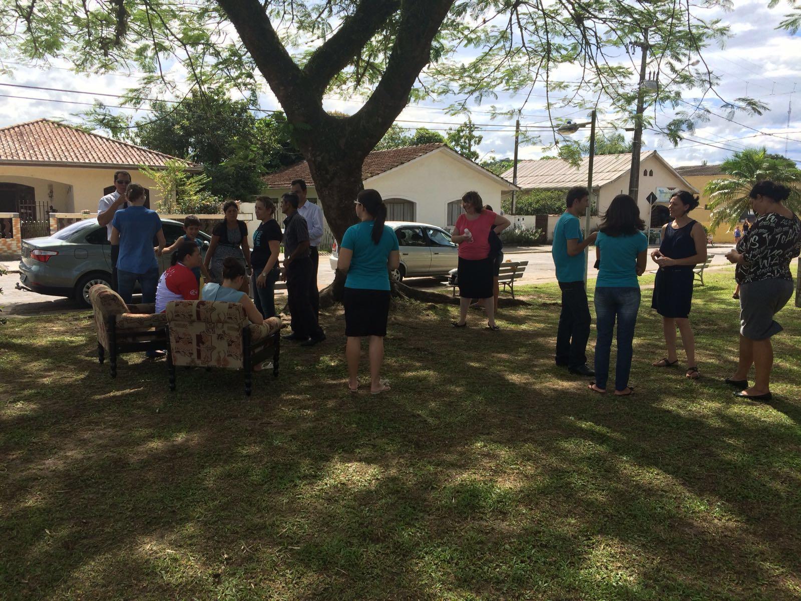 O sofá amigo atraiu os moradores, e envolveu os jovens do Geração 148.