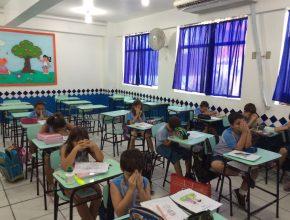 Nas escolas adventistas, os alunos também tiveram momentos específicos para orar uns pelos outros.