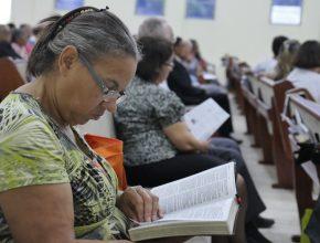 O estudo da Bíblia foi um dos momentos especiais nas igrejas