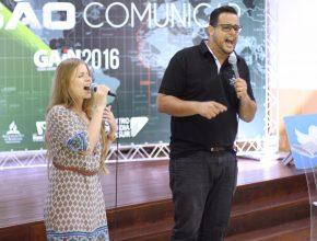 A dupla musical, Dilson e Débora, esteve presente no evento.